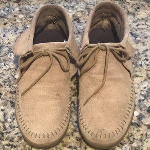Vans women's moccasins suede , tan . Size 7